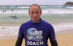 Tom Carroll Give SurfGroms the Thumbs Up